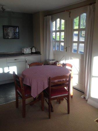 Norbin Farm: Premium room dining area