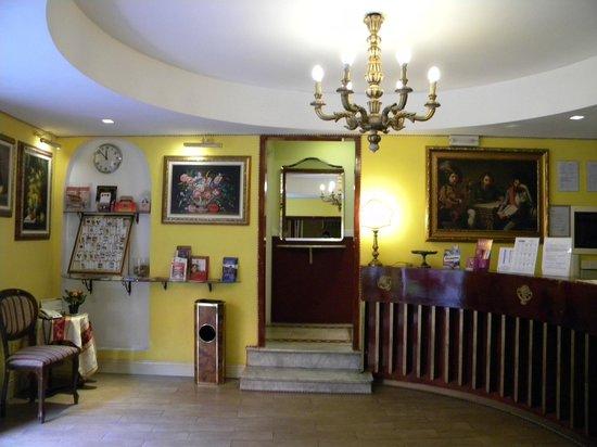 Hotel Saturnia : Hall entrada