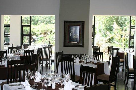 Leriba Hotel: Chapters Restaurant