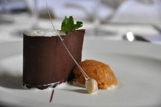 Leriba Hotel: A la carte menu