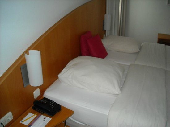 Novotel Mainz: Our bed
