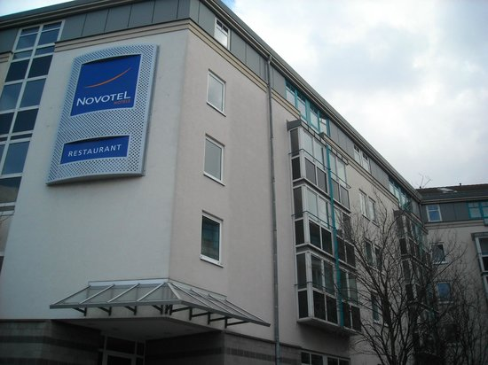 Novotel Mainz: Outside