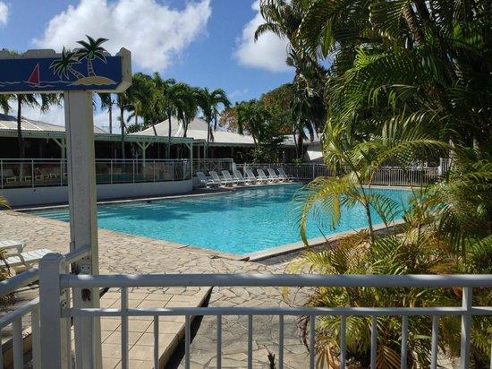Hotel Residence Golf Village : la piscine