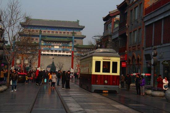 Qianmen Main Street Mall: 前門大街