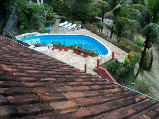 Chale Da Montanha: Vista do apartamento para a piscina