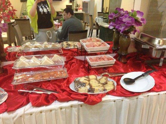 Al Nakheel Hotel Apartments : Завтрак