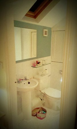 Tate House Bed and Breakfast: Bathroom