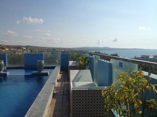 Nam Hai Hotel: Вид с 10-го этажа
