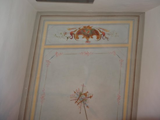 Casa Rovai Guest House: The ceiling of our daughter's room