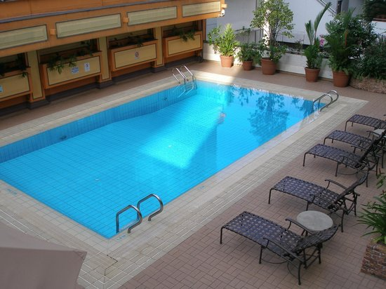 Grand Pacific Hotel : Pool