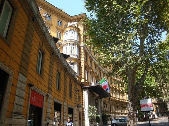 Hotel Majestic Roma: 外観