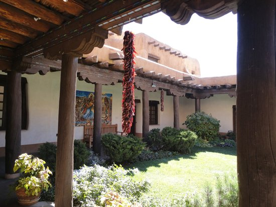 New Mexico Museum of Art: The beautiful patio