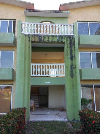 Hotel Villa Azul: in distruzione