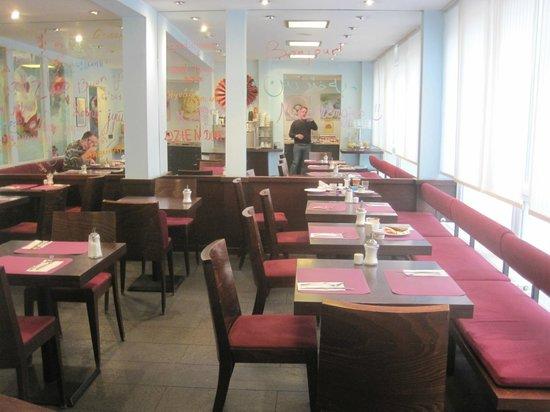 Belle Blue Hotel: Breakfast room