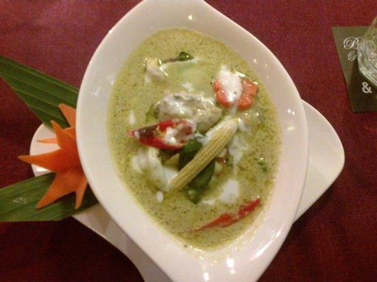 Bussaba Thai Restaurant : Green curry mixed seafood in coconut milk