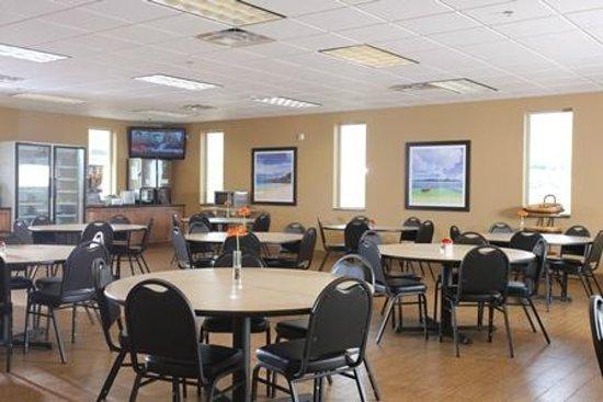 Ramada Williston: Dining Room