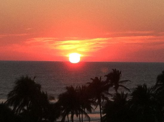 Mayan Palace Acapulco: Sunset from last night at the Grand Mayan