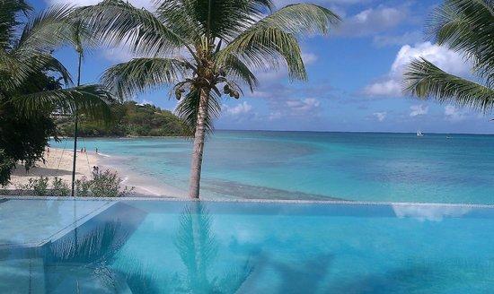 Cocobay Resort: piscina zona spiaggia