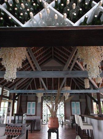 Cocobay Resort: bar