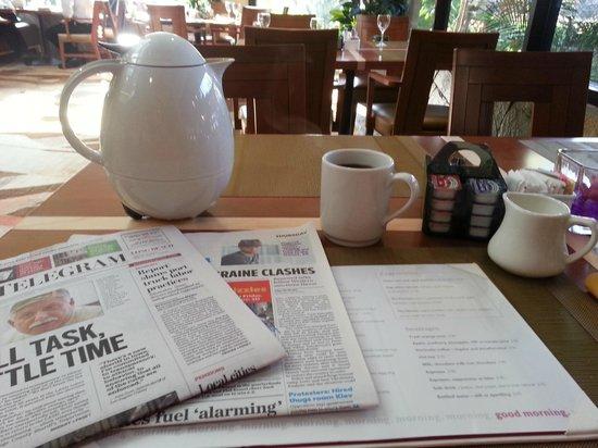Long Beach Marriott: Morning Coffee in Restaurant