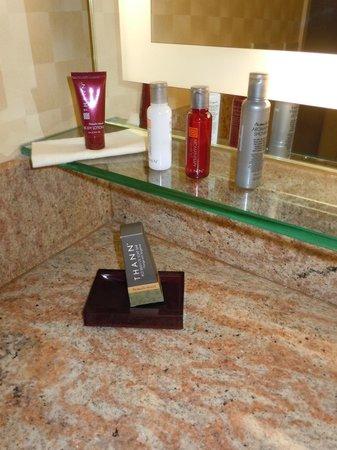Long Beach Marriott: Bathroom