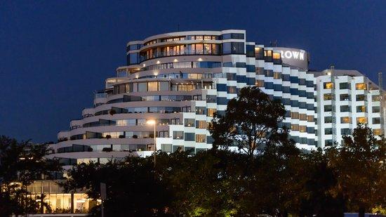 Crown Metropol Perth: The cruise ship