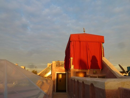 AnaYela: On the roof