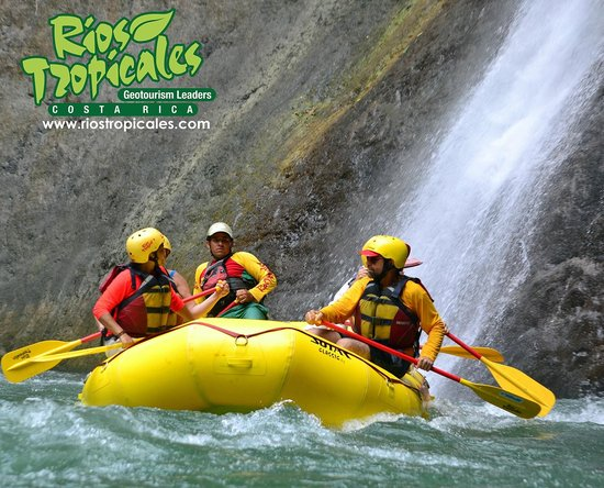 Rios Tropicales: Huacas Falls, Pacuare River