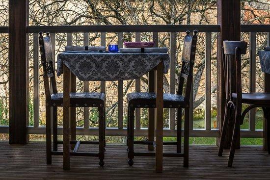 La Belle Epoque : balcony