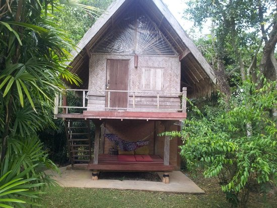 Naga Hill Resort: The small size bungalow, 2 storeys, room up, hammock and shower down