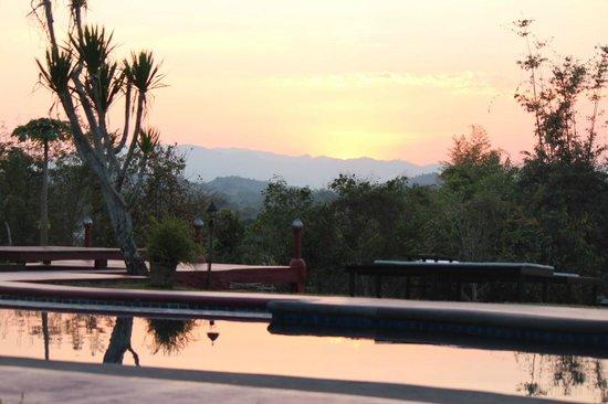 Naga Hill Resort: Sunsets