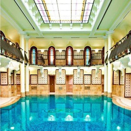 Corinthia Hotel Budapest: Royal Spa swimming pool