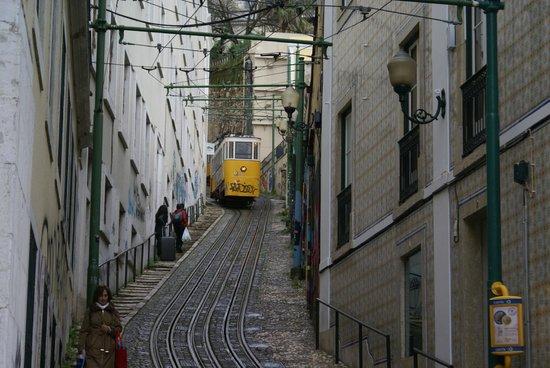 Bairro Alto: Hill Tram