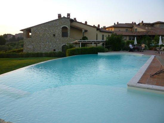 Hotel Borgo Di Cortefreda Relais: piscina