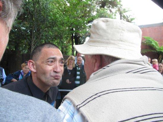 Mitai Maori Village: Chiefs rubbing noses