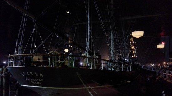 Fisherman's Wharf : Voilier devant nous