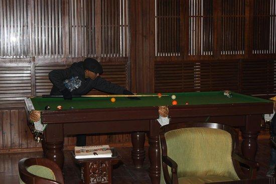 Sinclairs Darjeeling : The billiards pool