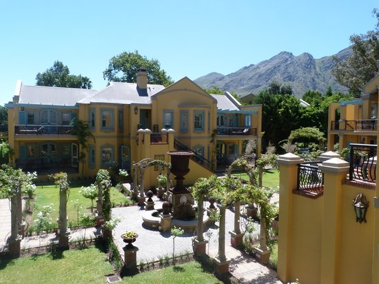 Franschhoek Country House & Villas: View from balcony