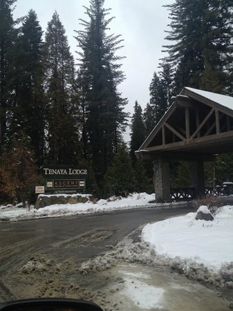 Tenaya Lodge at Yosemite: Entrance