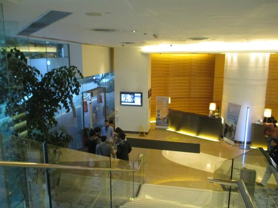 Novotel Century Hong Kong: Hall d'entrée