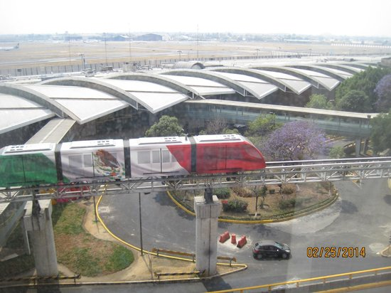 Camino Real Aeropuerto: Our view from our room