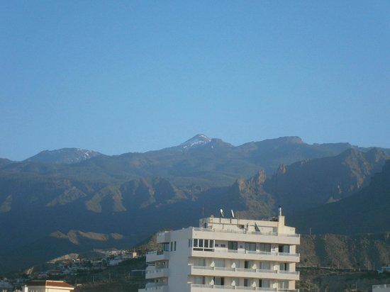 Kn Columbus Aparthotel: View of Mount Teide from our balcony room 544