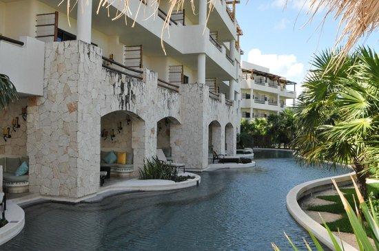 Secrets Maroma Beach Riviera Cancun: Swimout rooms...