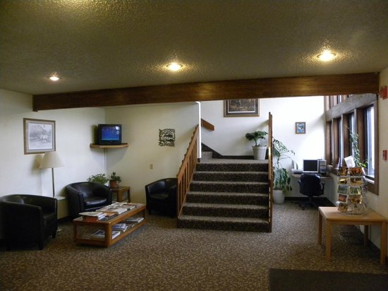 Super 8 Livingston : Lobby with New Carpet and Business Center