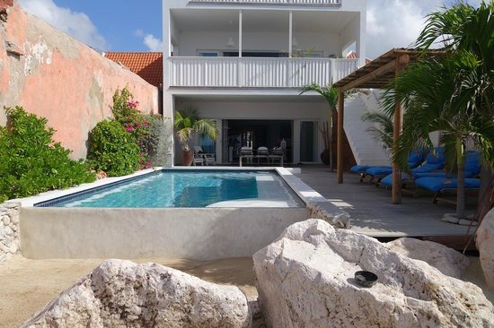 """PM78 Urban Oasis Curacao: On the """"beach"""" looking back at the house"""