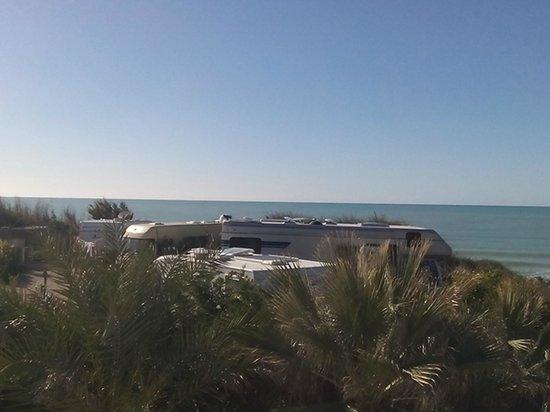Camping Baia dei Coralli: Area Camper vista mare