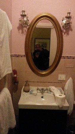 Hotel Pisa Tower: salle de bain
