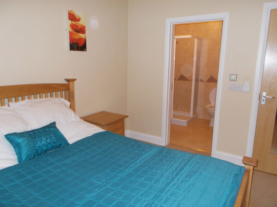 The Connaught Inn : Double bedroom