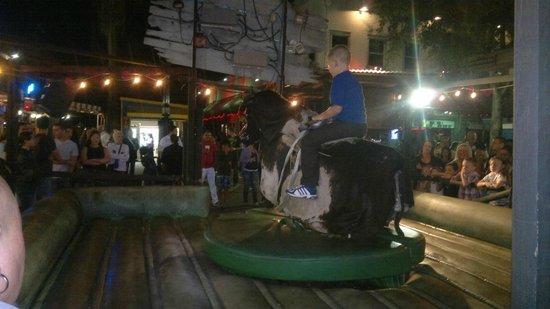 Old Town: touro mecanico
