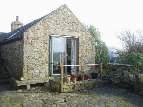 Wheems Organic Farm Orkney Bothies & Camping: 'Alix cottage' sleeps 2